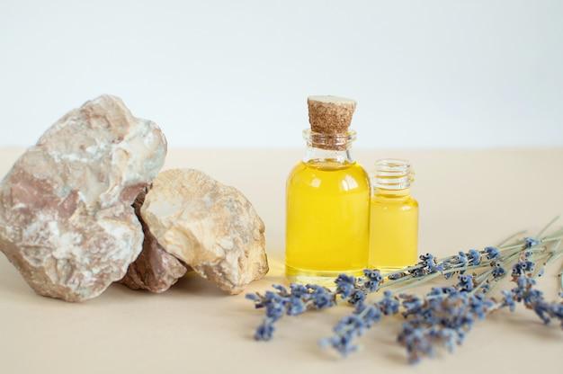 Branches de lavande à l'huile essentielle