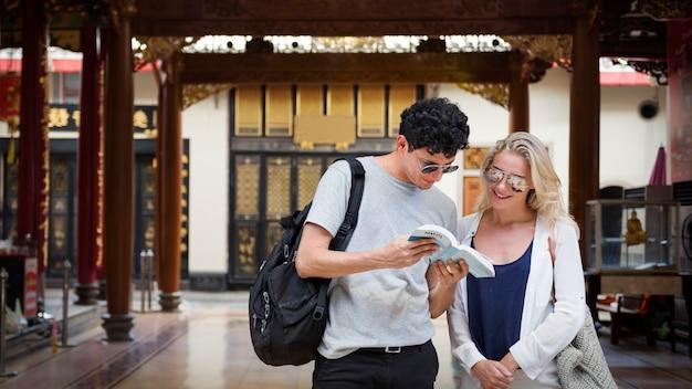 Break couple destination explore peace concept été