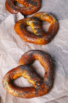 Bretzel sur la table