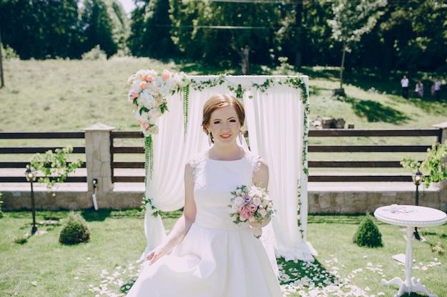 Bride dans l'autel