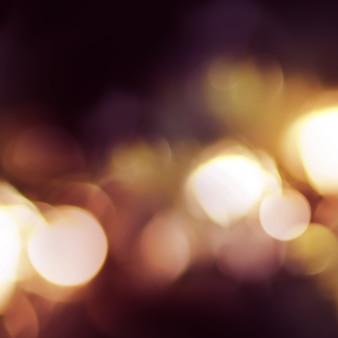 Bright night fires dans une photo défocalisée sur place