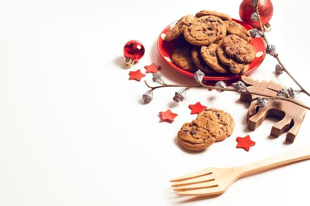 Brillant à boule avec biscuits biscuit et jouet en bois de renne et saison salutation joyeux noël prop décoration