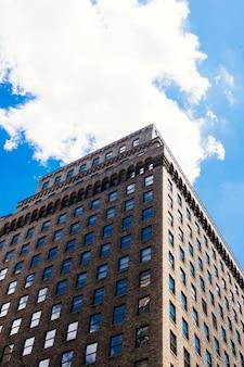 Brique, haut, bâtiment, angle, dessous, cityscape