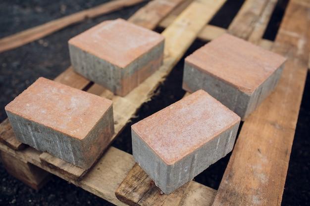 Brique pour la construction en chantier.