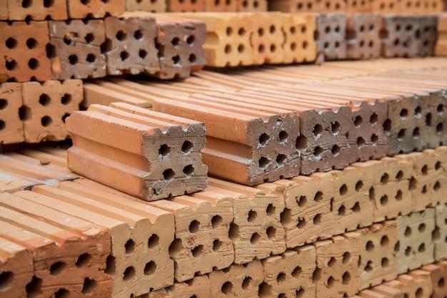 Briques de construction