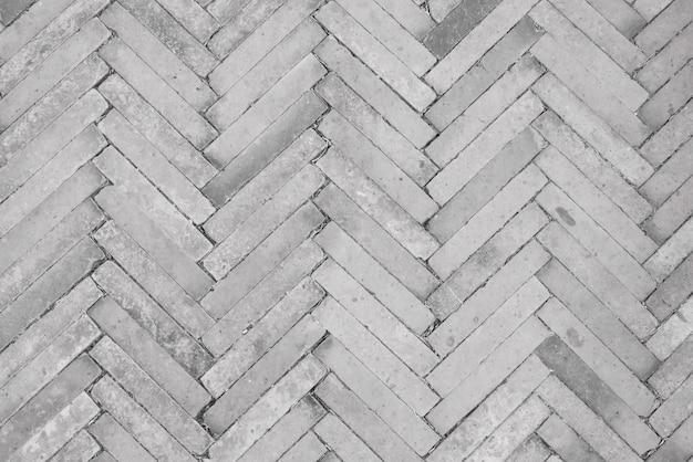 Les briques sont disposées en diagonale