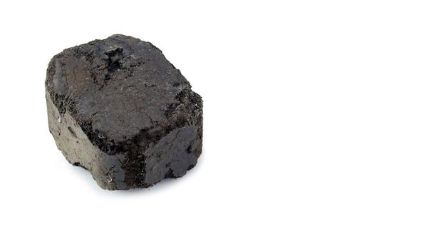 Briquette de combustible de charbon isolated on white