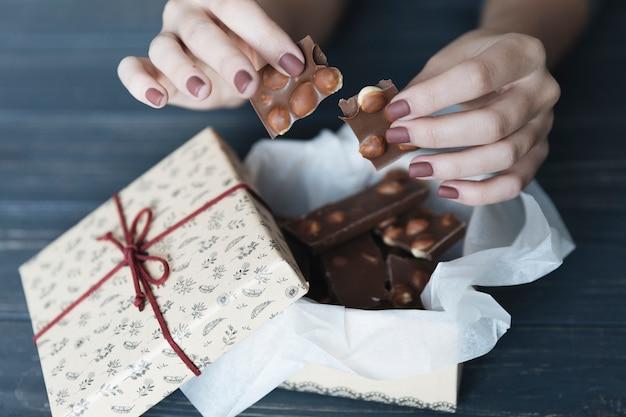 Briser le chocolat