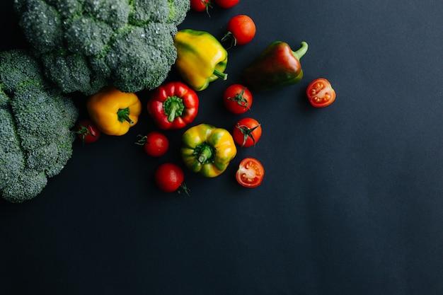 Brocoli vert frais et autres légumes