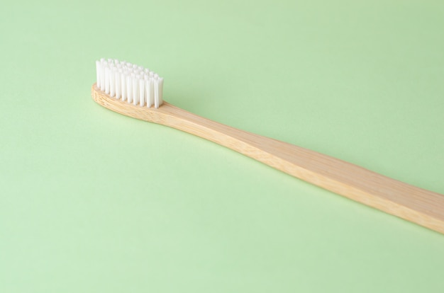 Brosse à dents en bambou naturel