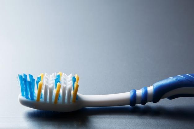 Brosse à dents colorée