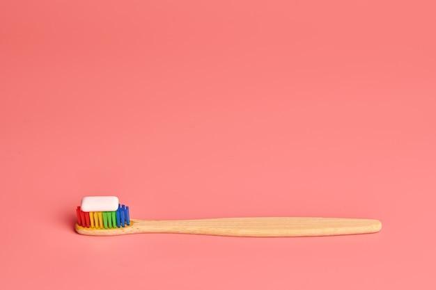Brosse à dents et coussinet en bambou eco