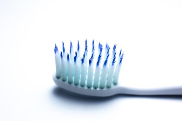 Brosse à dents se bouchent. concept de nettoyage des dents.