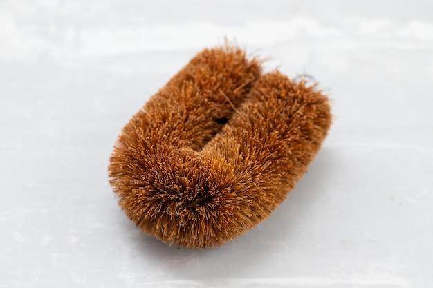 Brosse de lavage en fibre de coco facile à tenir sur la céramique