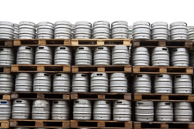 Brosses de bière sur le blanc