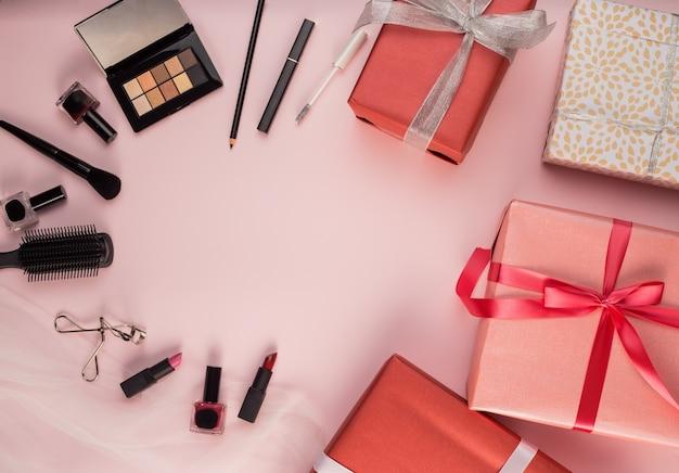 Brosses et cadeaux de maquillage
