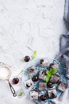 Brownie au chocolat et aux cerises