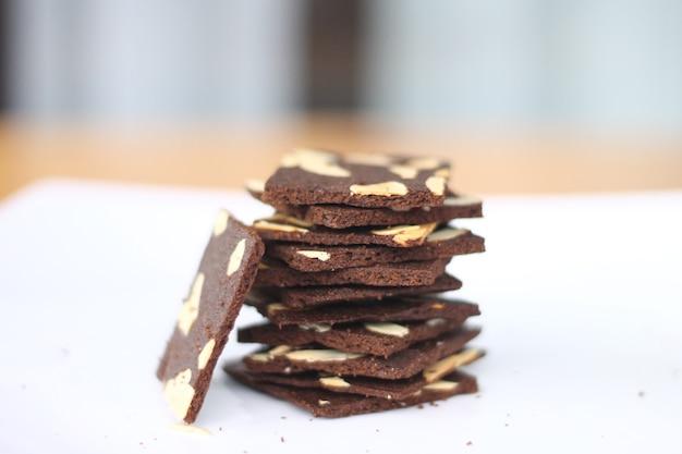 Brownies fins croustillants aux amandes