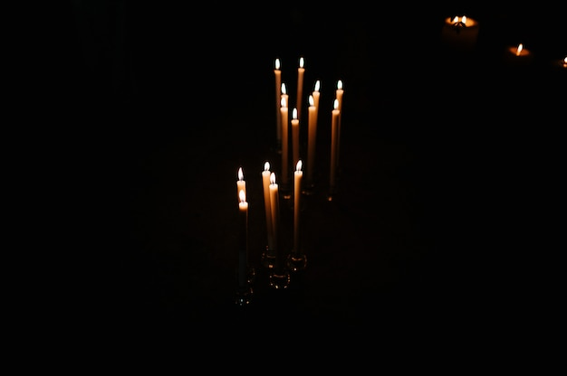 Brûler, cire, bougie, dans noir, église