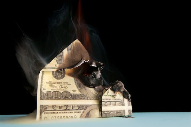 Brûler maison de dollars