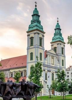 Budapest hongrie, eglise de l'assomption eglise du centre-ville