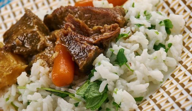 Buhorocha bahsh palov - cuisine ouzbek, pilaf aux légumes verts