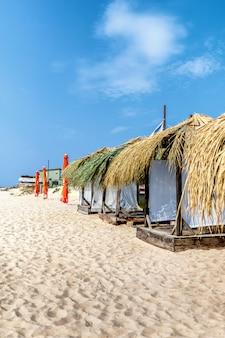Bungalow tropical sur la plage