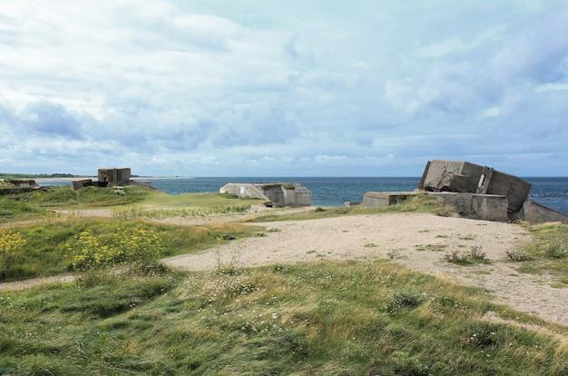 Bunker allemand en normandie après la seconde guerre mondiale
