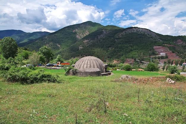 Le bunker nucléaire dans les montagnes d'albanie