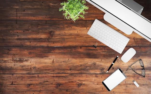 Bureau en béton avec matériel de bureau