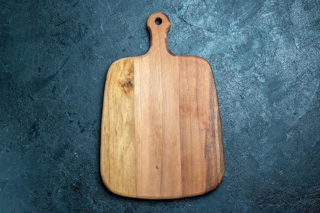 Bureau en bois brun vue de dessus