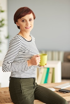 Bureau comme endroit parfait pour boire du café
