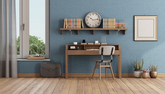 Bureau à domicile de style rétro avec petit bureau en bois, chaise et étagère avec livres