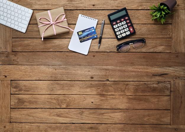 Bureau d'objets de bureau sur la table de bureau