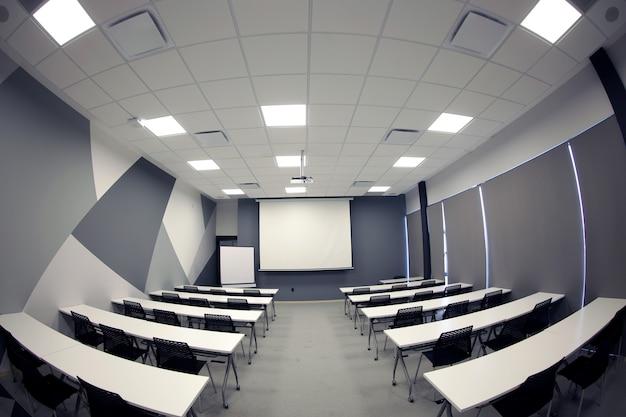 Bureau de salle de réunion vide, salle de classe