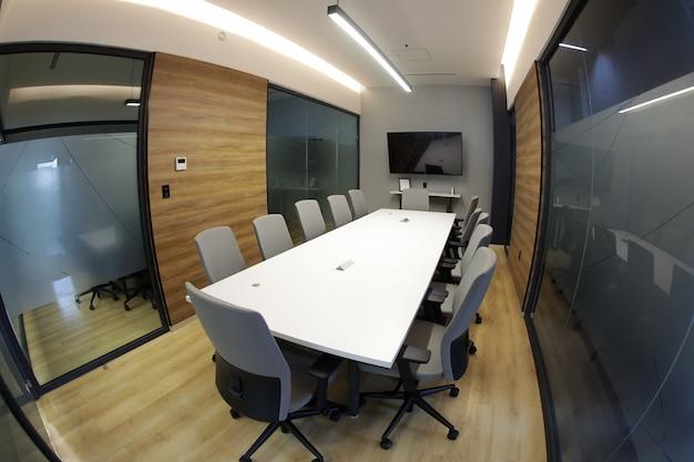 Bureau de salle de réunion vide