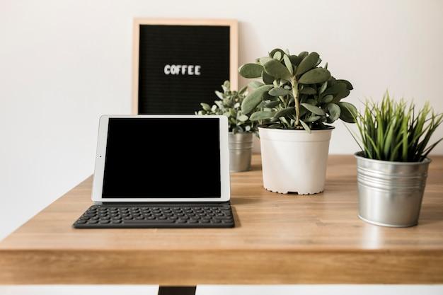 Bureau avec tablette