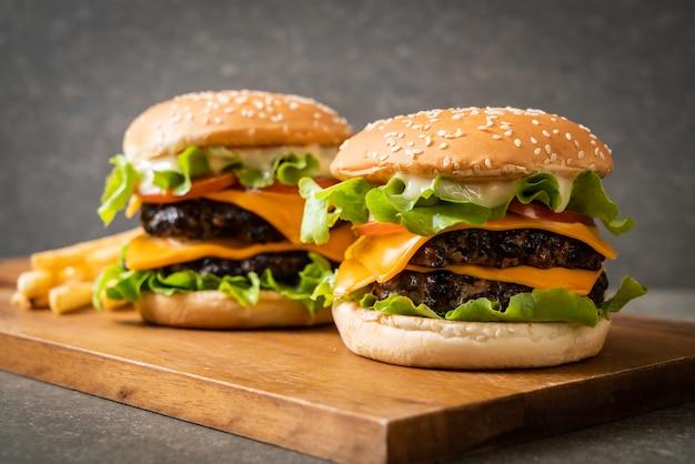 Burger savoureux frais