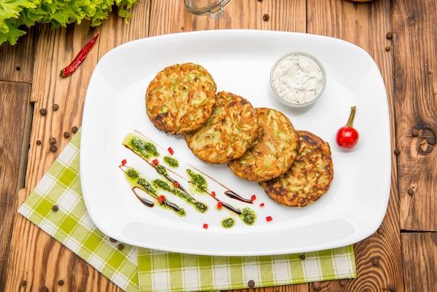 Burger végétarien aux épinards et légumes