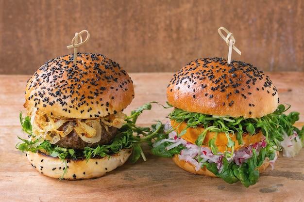 Burgers de viande et de légumes