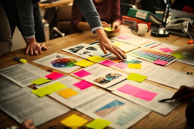 Business brainstorming et organisation des idées