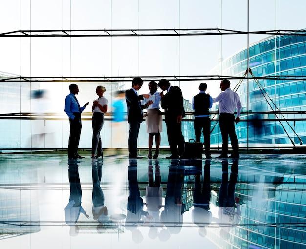 Business people interaction communication collègues travail bureau concept