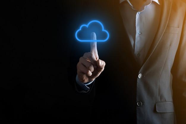 Businessman hand holding cloud computing concept dans la paume