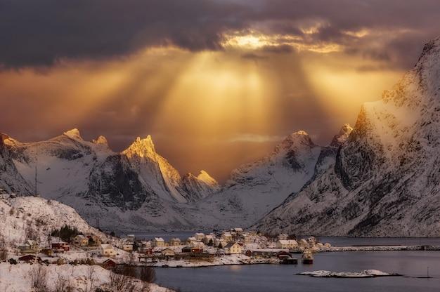 Cabanes de pêcheurs traditionnelles norvégiennes