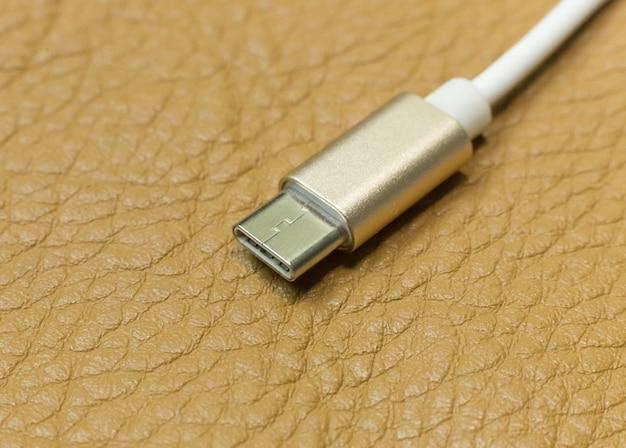 Câble de type usb c il périphérique de connexion bouchent image.