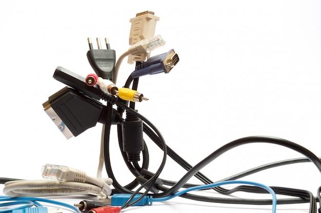 Câbles et prises pour ordinateurs
