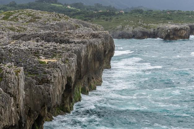 Cabo del mar dans le nord de l'espagne, asturies