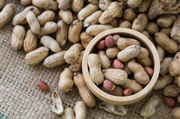 Cacahuète sur fond de sac
