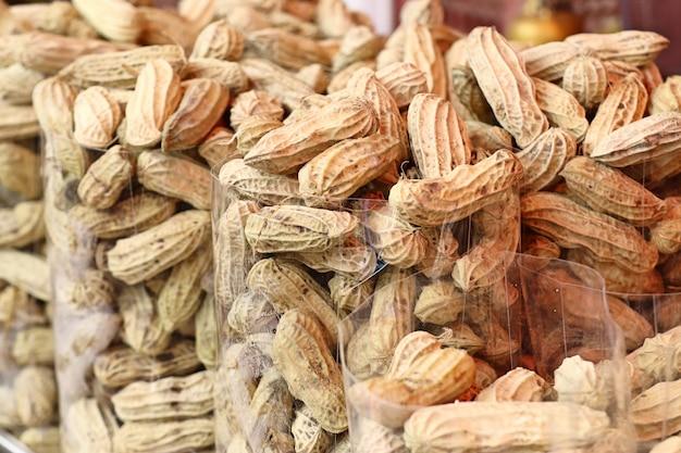 Cacahuètes bouillies au street food