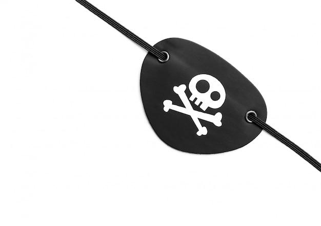 Cache-œil pirate sur blanc